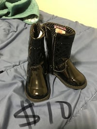 Boots for toddler girl. Size 4/5 Airdrie, T4A 0T2