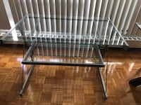 Glass desk / table Mississauga, L5B 4A8