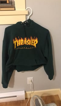 green cropped thrasher pullover hoodie jacket Burnaby, V3N 1S2