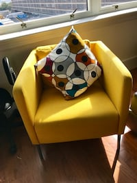 Yellow sofa chair with throw pillow Jersey City, 07310