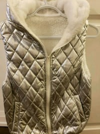 women's gray leather quilted sling bag Markham, L3T 0C7
