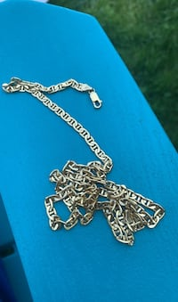 Flat gucci link with versace pendant