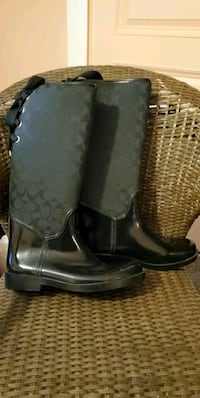 Size 11 Couch Rain Boots
