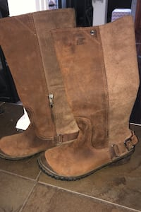 Sorel suede riding boot size 6. Excellent condition pick up only Toronto, M3H