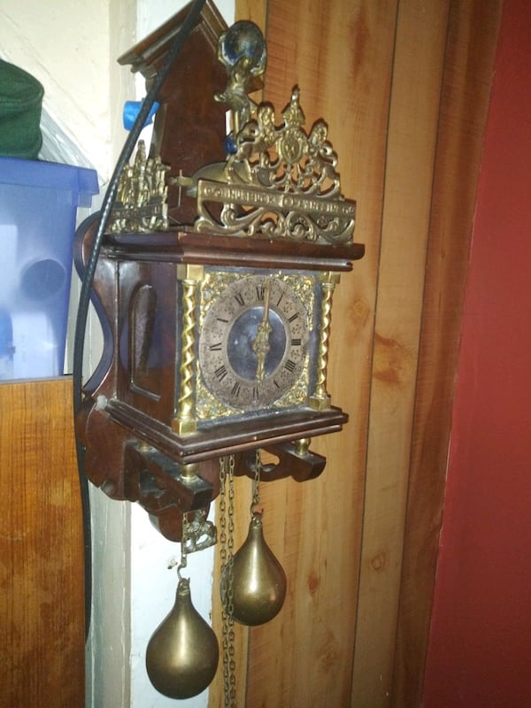 Beautiful clock ea452f26-9388-429d-8fd6-640c4cab08ae