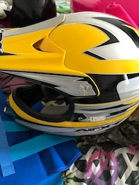 yellow and black full-face helmet Front Royal, 22630