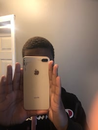 Gold iPhone 8 Plus Severn, 21144