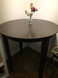 Wooden round dinning table Toronto, M6C