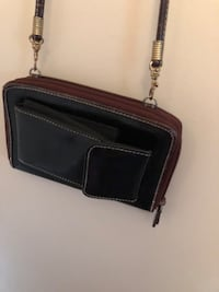 Purse -wallet that holds phone with free delivery. London, N6G 3B3
