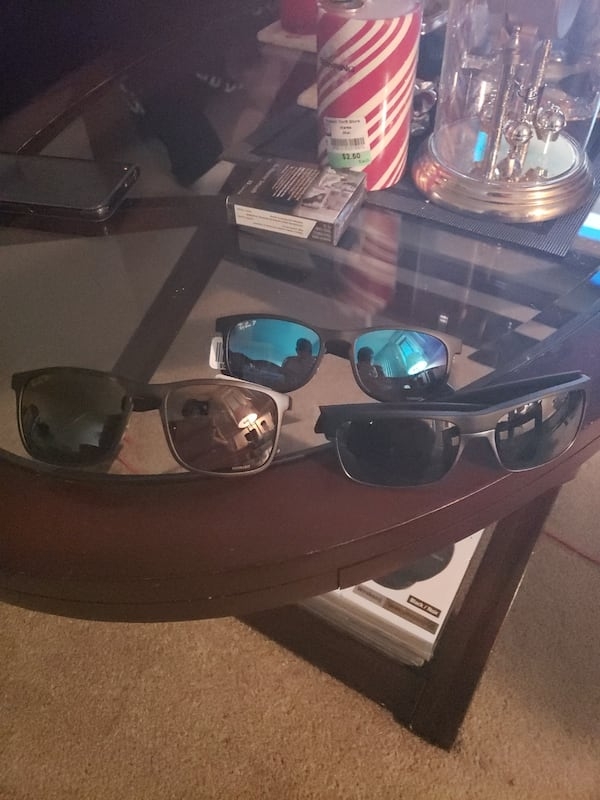 Ray ban and Oakley sunglassed brand new e951587f-a0d9-4d4c-ade1-ab26c56572b7
