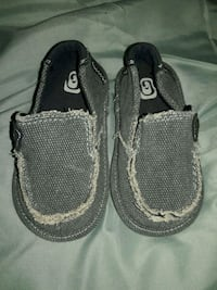 Boy slip-on shoes, size 6c  Fresno