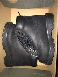 Baby timbs size 5 Lawrence, 01841