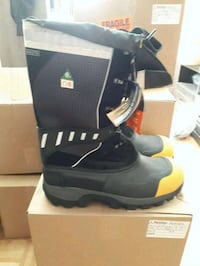 pair of black leather boots with box Milton, L9T 0A5