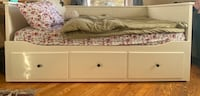 White Trundle Day Bed