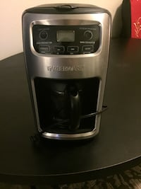 12 cup coffee maker works