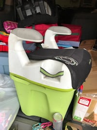 white and green booster seat Reading, 01867