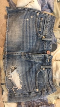 American eagle destroyed denim dress size 4 Calgary, T1Y 3K1