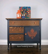 Small Dresser/Bedside Table 539 km