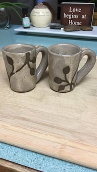 gray-and-brown floral ceramic mugs Abbotsford, V2S 4A1