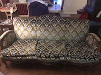 Antique couch with handcrafted wood work   Oro-Medonte, L3V 0R3