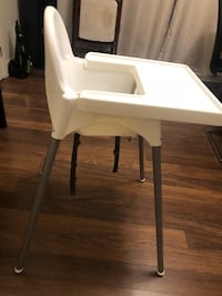 Baby high chair very good condition