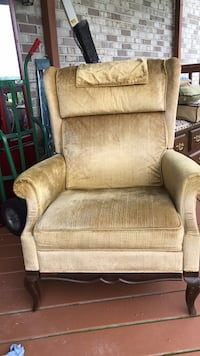 Lazy Boy recliner- price negotiable Greenwich, 19530