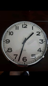 Wall clock Gravenhurst
