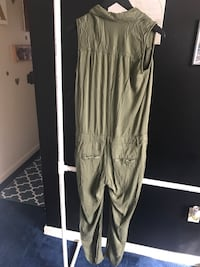 Size 4 jumpsuit  Washington, 20020