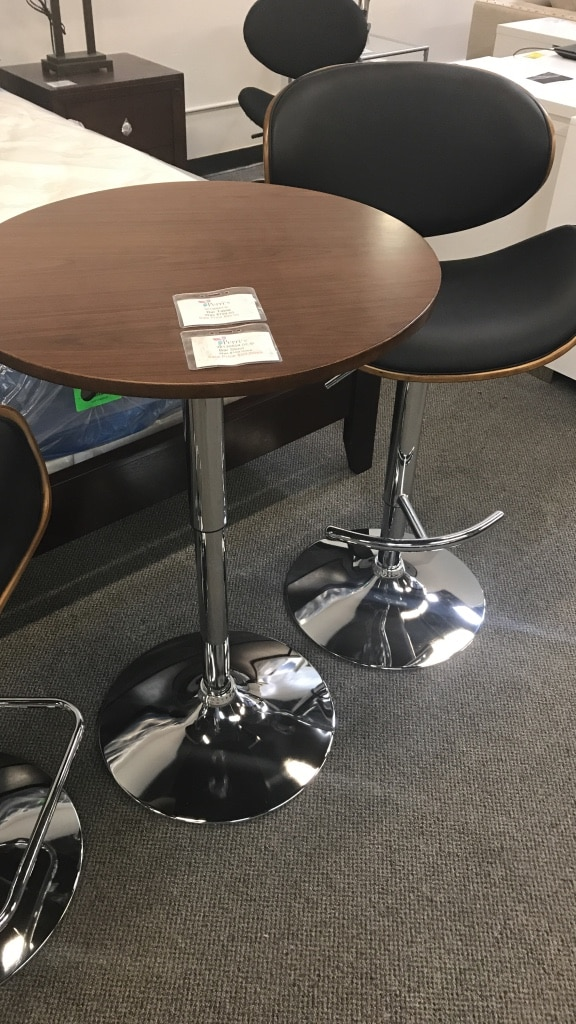Stainless Steel Pedestal Base With Round Top Table With Swivel Chair Set