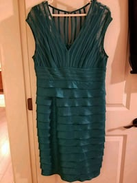 Beautiful party dress size 12  North Vancouver, V7J 2S2