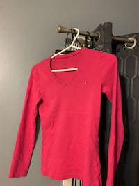 Tommy Hilfiger long sleeve Kitchener, N2A 2C9