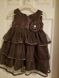 Kids dress size 3 Kitchener