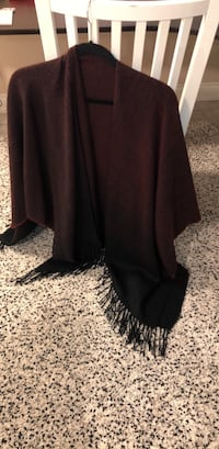 Blanket scarf burgundy and black knit  Toronto, M9B 4S5