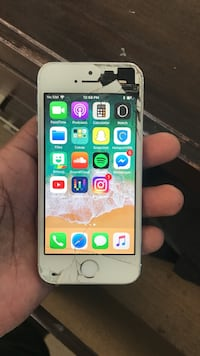 Silver iPhone 5S in great condition
