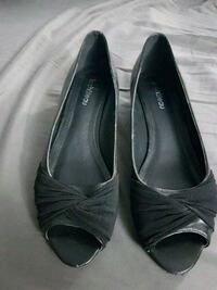 Black wedge dress shoe West Kelowna, V1Z 3L2