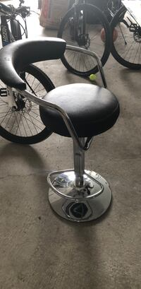 Black and silver bar stool Brampton, L6P 1V3