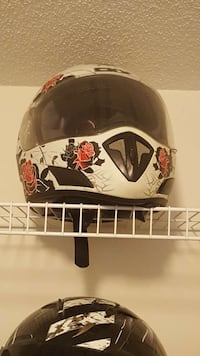 150 or best offer! Womens motorcycle helmet Courtice, L1E 0C2