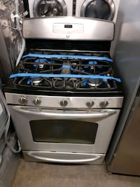 GE 5 burners gas stove working perfectly 4 months warranty  Baltimore, 21223
