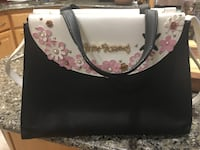 Adorable and stylish Betsey Johnson purse! Alexandria, 22304