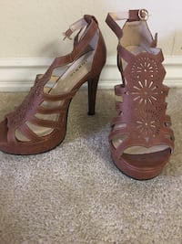 Brown/tan heels size 9 Fountain Valley, 92708