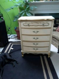 white wooden 4-drawer chest 31 km