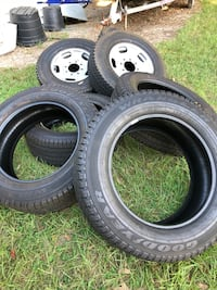 Truck tires Valrico, 33594