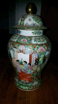 Chinese antique vase  Brooklyn, 11223