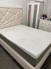 Brand new never used queen mattress  New York, 11204