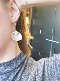 Pearl and shell earings