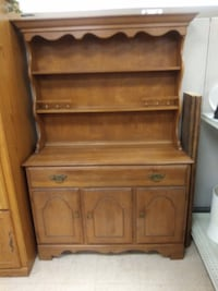 Temple-Stuart Solid Maple Early American Server/ Hutch Modesto