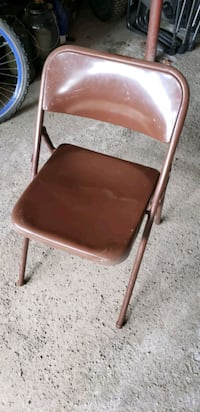 Selling Fold out Chairs  Calgary, T3H 4C9