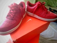pair of red Air Jordan basketball shoes Fayetteville, 28303