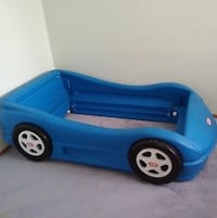 Used* Little Tikes car bed. Good condition  Lynchburg, 24502