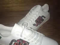 pair of white-and-red basketball shoes Mississauga, L5B 0K4